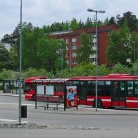 Undersök buss längs Söderbyvägens östra del