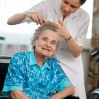 Replik till MP: Visst har vi råd med äldreboende!