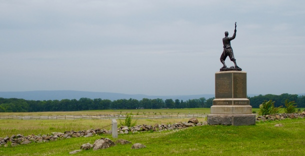 Monument (Pennsylvanias 72 frivilligregemente) vid The Angle, Cemetery Ridge, där Pickett's charge ägde rum.