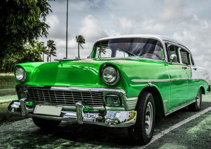 HDR Amerikanischer grner Oldtimer in Kuba Havanna - Serie 2